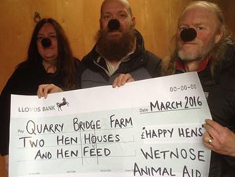 Quarry Bridge Farm receive cheque from Wetnose